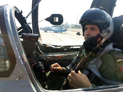 Master romanian pilot Split S maneuver and land, MiG-21 Lancer
