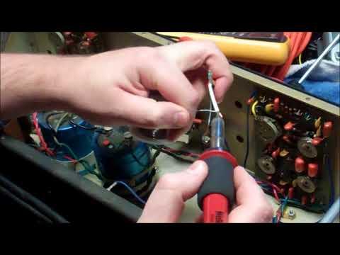 Kustom K200-B1 Bass Amplifier Gives Free Electric Shocks...   Let's Fix it.