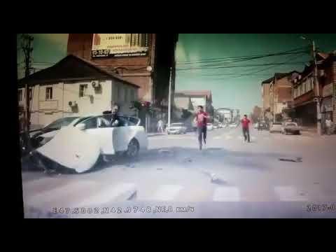 Авария в Махачкале лексус  на Дахадаева