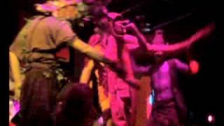 kalamar dj cantando el jungle disfrazao