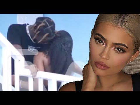 Kylie Jenner Responds To FAKE Travis Scott Cheating Prank! Mp3