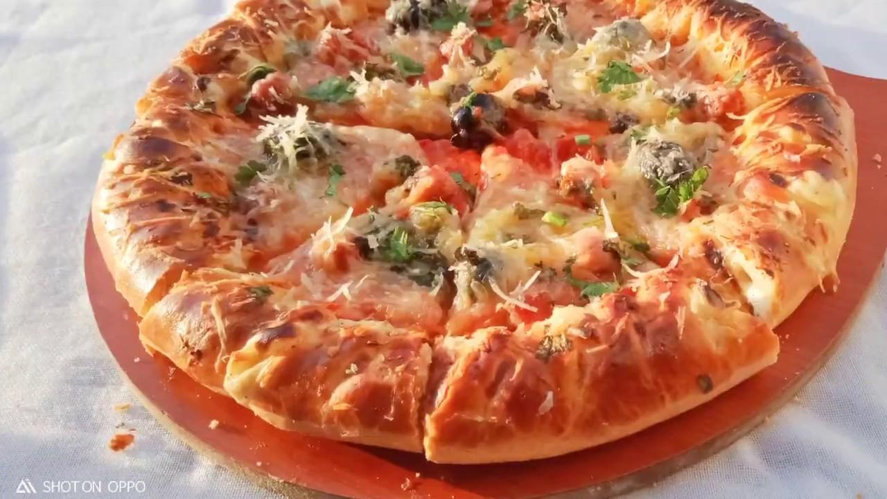 بيتزا🍕 بعجينة قطنية وخفة ولا اروع 😍 من اليوم كامل رايحة تنجحلكم البيتزا 🍕