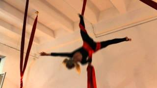 artarea project Воздушная гимнастика на полотнах Обрыв