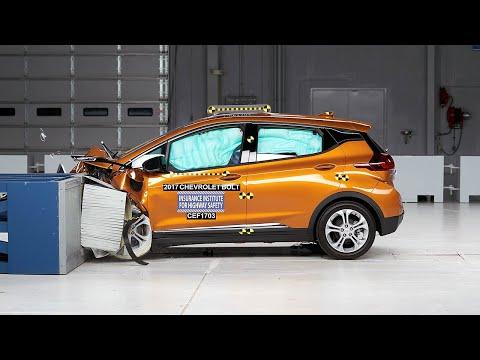 2017 Chevrolet Bolt Moderate Overlap IIHS Crash Test