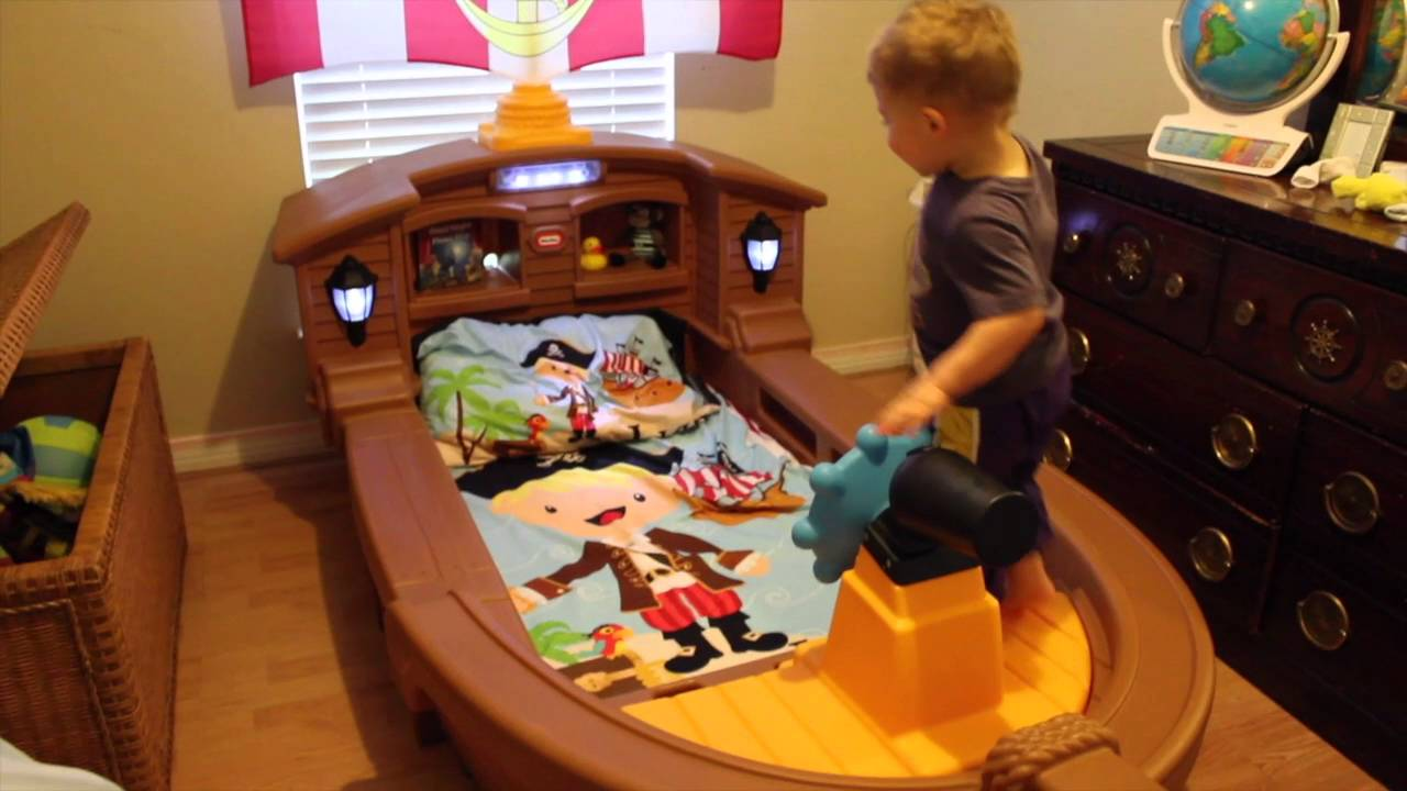 Liams Little Tikes Pirate Ship Bed