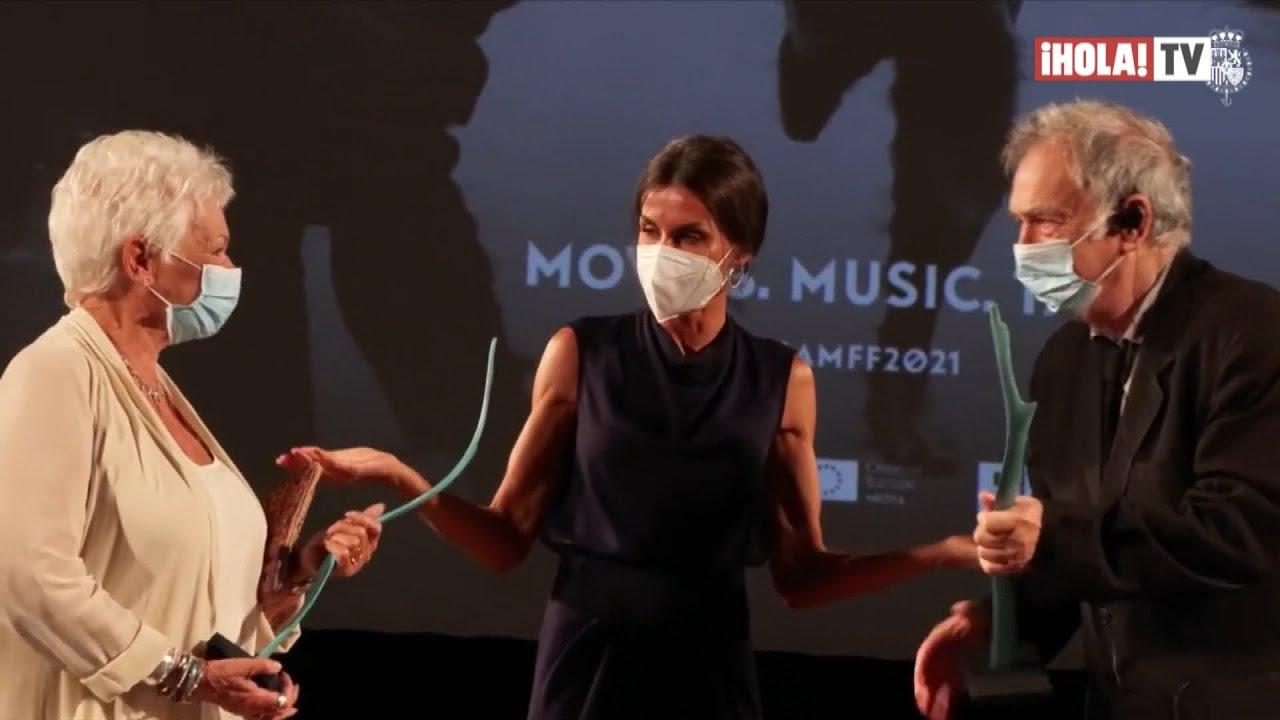 Doña Letizia ofició de anfitriona de la actriz Judi Dench en Mallorca   ¡HOLA! TV