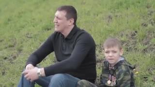 Папа с сыном поют!💑