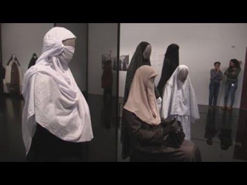 Las Mujeres De La Modestia: Algunas Judías DeIsraeltambién Escogen El Velo