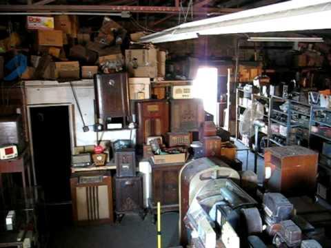 Dean Lake Radio Auction    Burchard Galleries