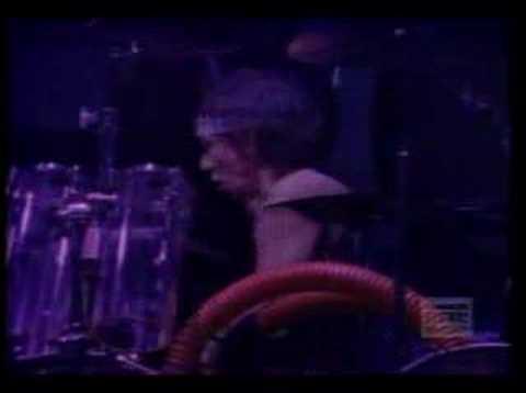 Van Halen - Love Walks In