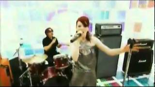 GARBAGE-WHY DO YOU LOVE ME-Popworld 2005.flv
