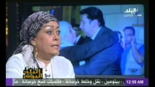 هاله فاخر : ايه يعني لما أكون محجبة وابوس هاني رمزي