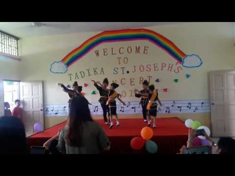 Tinggi Tinggi Gunung Kinabalu dance by St.  Joseph students