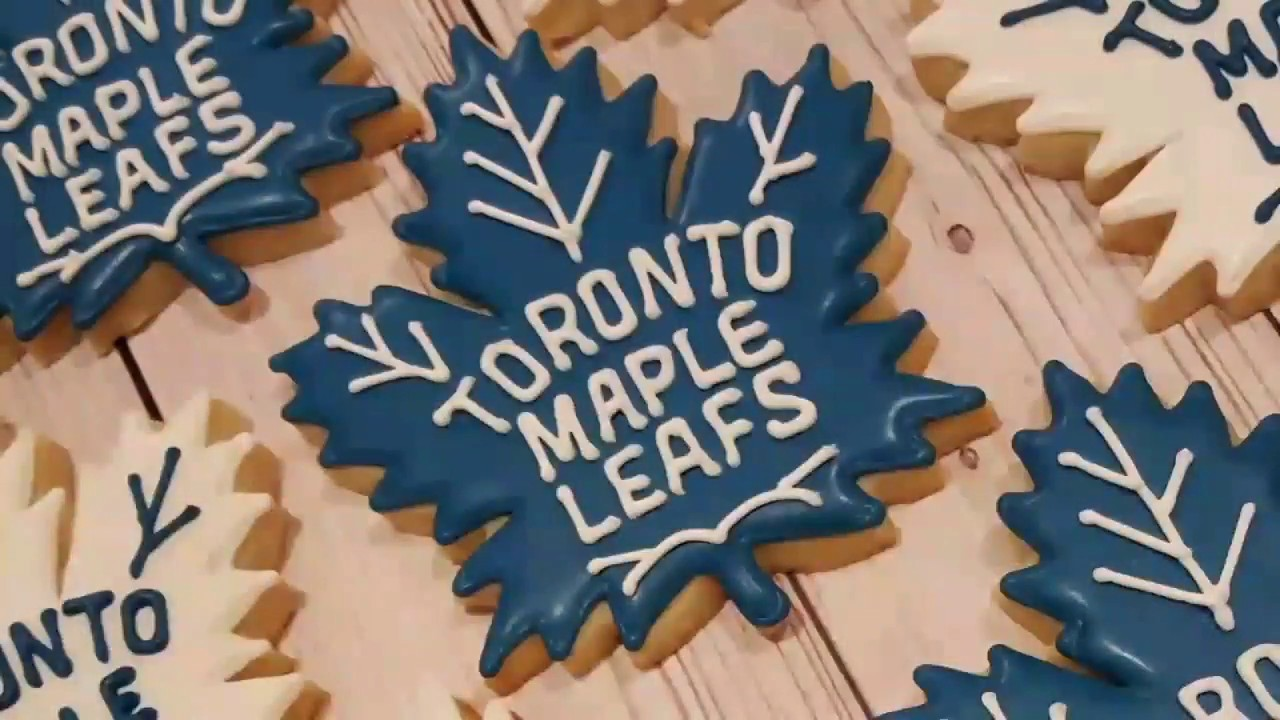 new concept 55f1f 97b8d Toronto Maple Leafs Sugar Cookies on Kookievision by Sweethart Baking  Experiment