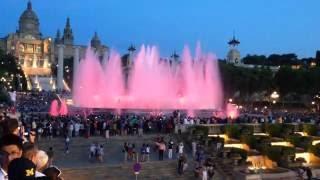 Поющие фонтаны Барселона гора Монжуик(Атмосферу зрелища передать невозможно ни одним фото или видео! Если вы оказались в Барселоне, то обязательн..., 2016-06-28T09:21:43.000Z)