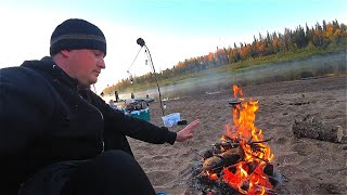 Рыбалка на таёжной реке Первые утренние заморозки Охота на зубастых