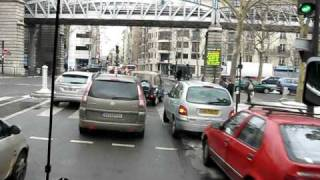9. M Stavy Paris Bus 21 stopping at Rue Glazier Metro Station