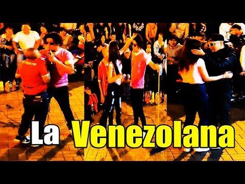 El Chino Risas : Venezolana ' Se Enamora del Marcianito ' - Comicos Ambulantes [ Completo ]