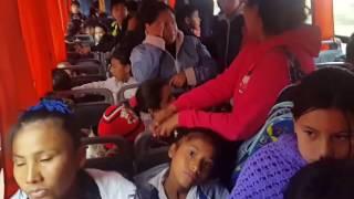 Video: Apretados