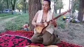 Элдик талант Турганбу Эркинбаева эжемен бир шиңгил 👍😊