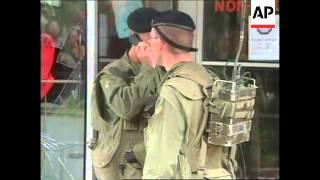 YUGOSLAVIA: KOSOVO: KFOR FAIL TO STOP PEOPLE LOOTING