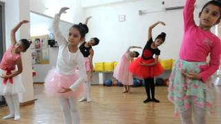 Let it go- 7 yr old kids ballet performance- Sway Dance Studio Ahmedabad