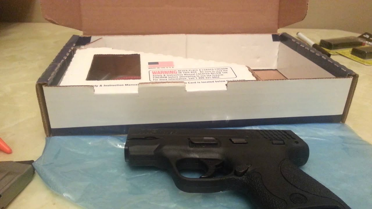 Smith And Wesson M&P Shield 40 S+W Unboxing