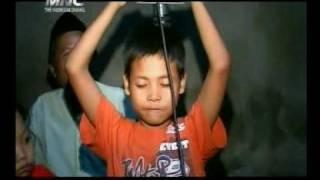 Repeat youtube video DUKUN CILIK PONARI -2009.flv agsamawa66
