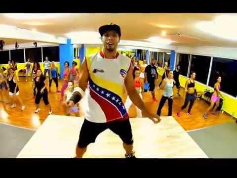 Bailoterapia para adelgazar salsa music