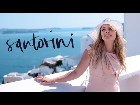 Santorini Spring LookBook | Travel Diary Greece