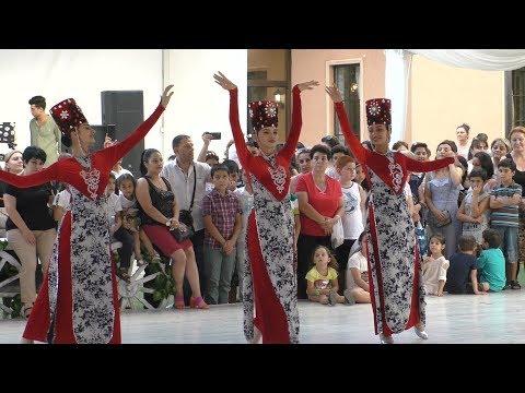 Yerevan, День освящения винограда, парк ЕРАЗ, 18.08.19, Su,Video-1.