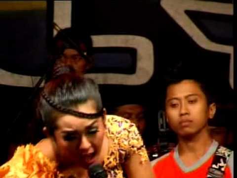 PALLAPA~2013  bibir bermadu) live show planggiran