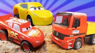 Сборник видео для детей. Песочница: развивающие игры с машинками