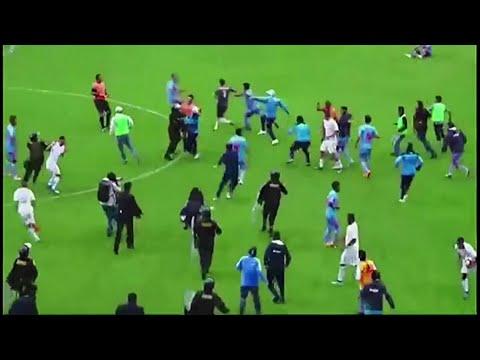 مباراة كرة قدم تتحول إلى ساحة معركة في البيرو  - نشر قبل 36 دقيقة