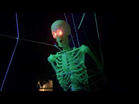 Halloween Outdoor Display 2018 Work in Progress (Skeleton in Spider Web)