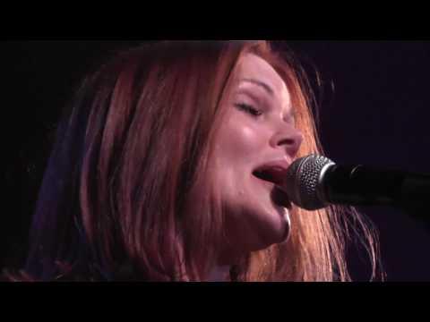 Belinda Carlisle 4/13/16: 17 - Superstar [Carpenters] - Peekskill, NY