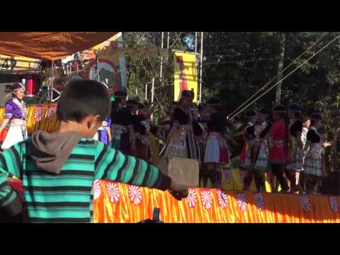 Hmong - Hmong Lao new year. Nkauj Hmoob NaXaLa Dance Show. p2  (HD)