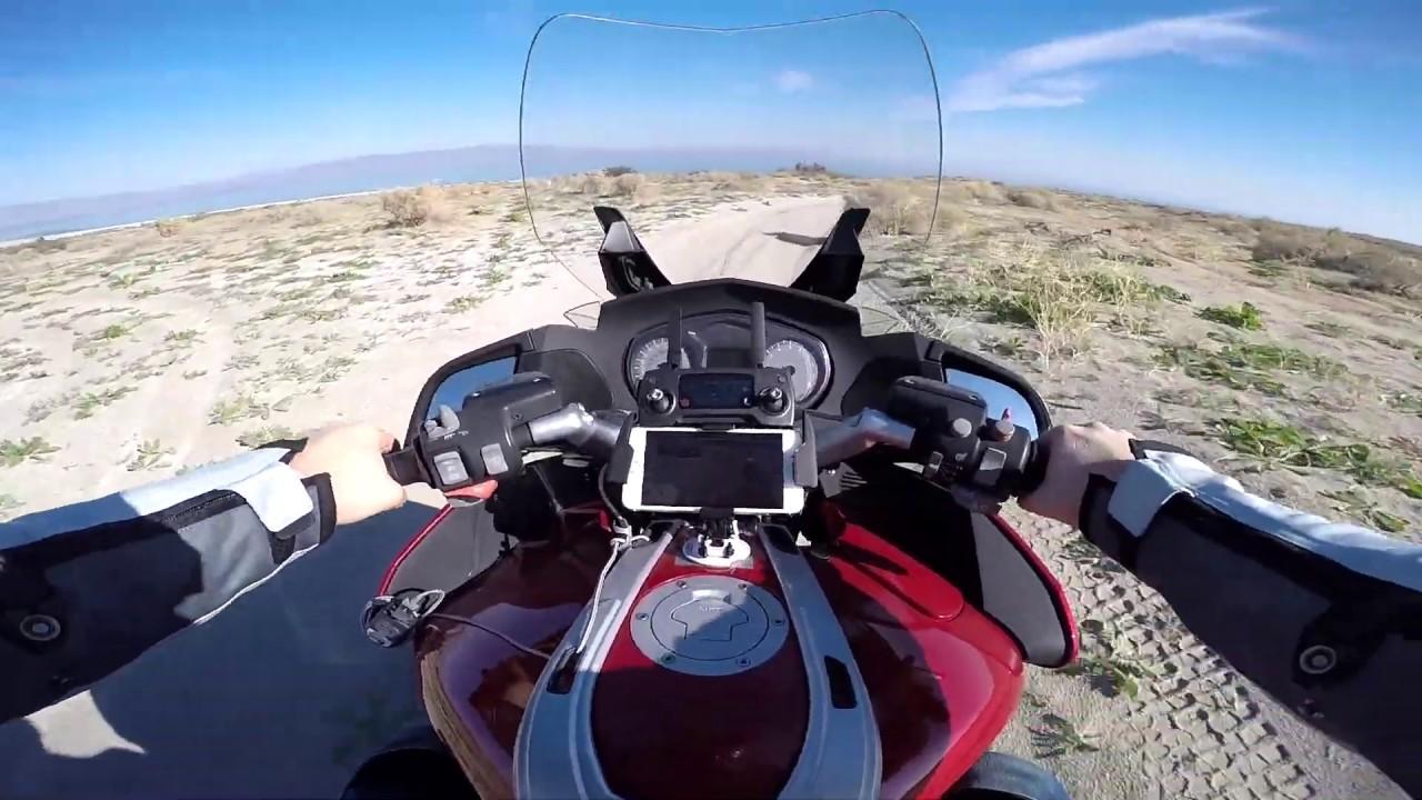 В песке на мотоцикле