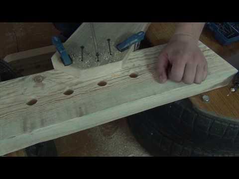 видео: Тренажёр для мышц брюшного пресса (Римская скамья) своими руками