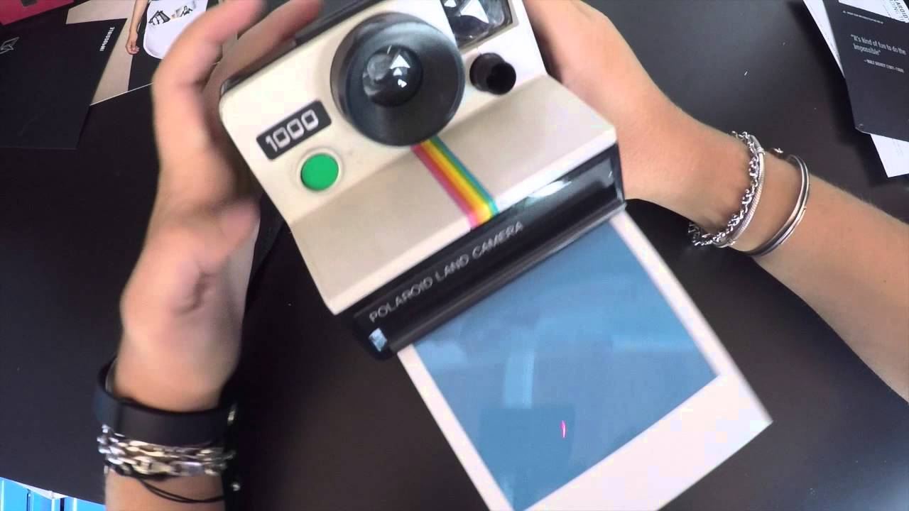 polaroid 1000 et films impossible sx 70 youtube. Black Bedroom Furniture Sets. Home Design Ideas