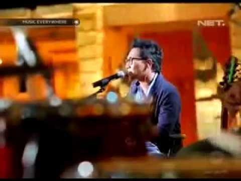Sandy Canester feat  Lala Karmela   Telepon Aku