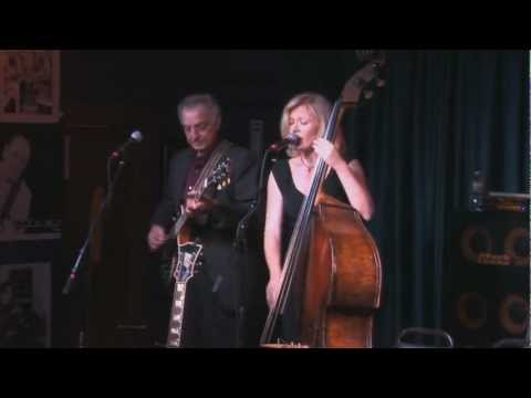Les Paul's Trio featuring Nicki Parrott – Autumn Leaves – IridiumLive! 9.17.2012