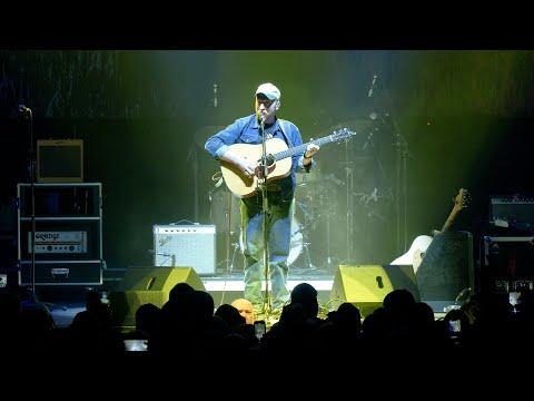 Смотреть клип Tyler Childers - Nose On The Grindstone
