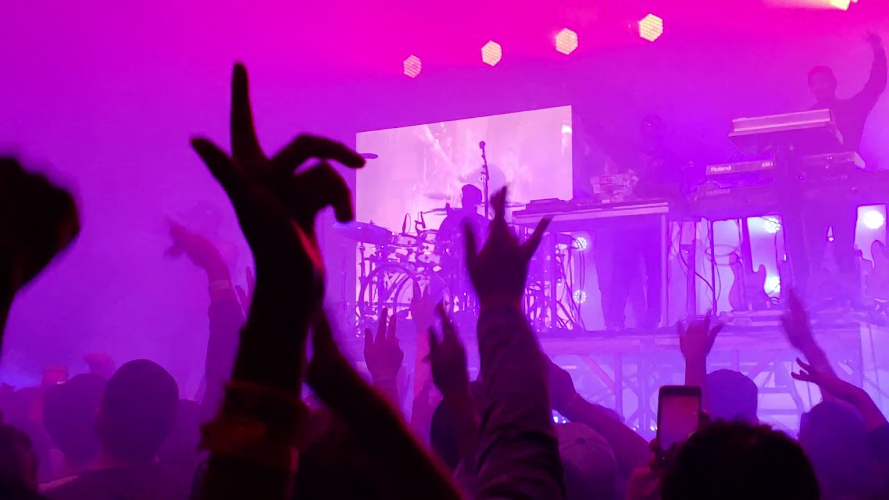 8423ad90 PRBLMS - 6LACK (Live at The Warfield SF December 3) - YouTube