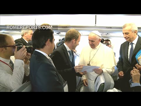 What's it like to travel on the papal plane? Check it out!