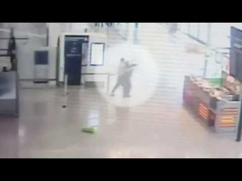 ✈ Orly airport attack: CCTV shows moment soldier grabbed