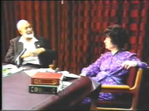 Freely Speaking - Interview - Ginna Lewis With Sheikh Ahmed Deedat - Durban - (S. Africa)