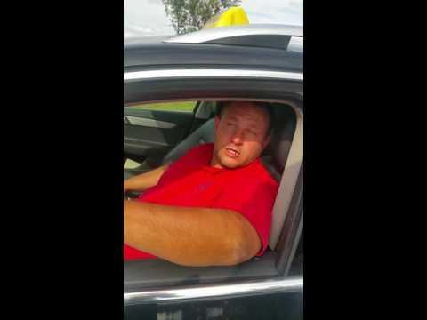 Nadstandartně debilní taxikář