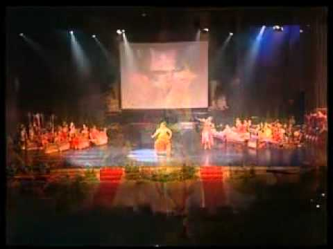 Anucha Sumamans show@Indonesian Arts and Culture Scholarship 2008  YouTube