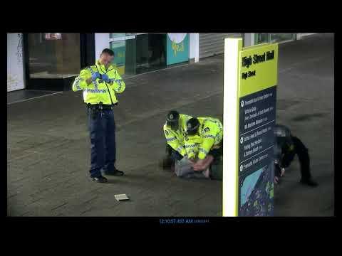 Incident in High Street Mall, Fremantle on 3 September 2017